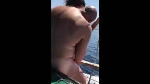 Gostosas Fodendo no Barco
