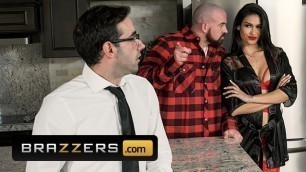 Brazzers - Latina MILF Katana Kombat Cucks her Husband