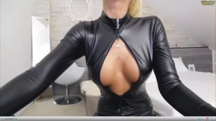 Leather Cleavage on Chaturbate